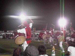 八重瀬祭りのエイサー